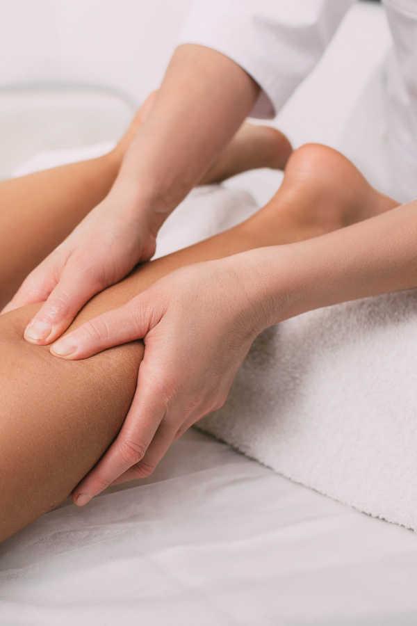 massaggio gambe cosce